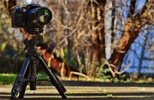 Cheap-Tripods-For-Video-Photo-Vs-Video-Tripod