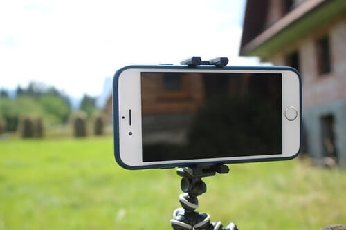 How to hook up your cell phone to a tripod