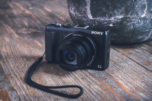Best-Vlogging-Cameras- Under-300-Camera-Size